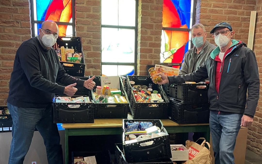 Spendenaktion der Katholischen Kirchengemeinde für die Monheimer SKFM-Tafel war ein voller Erfolg